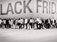 Black-Friday-Line-672x372