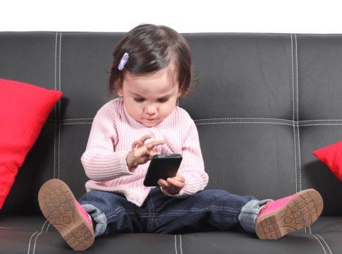 jucarii bebe pufos alternativa la telefoane